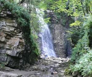Цікаві місця Івано-Франківщини. Манявський водоспад