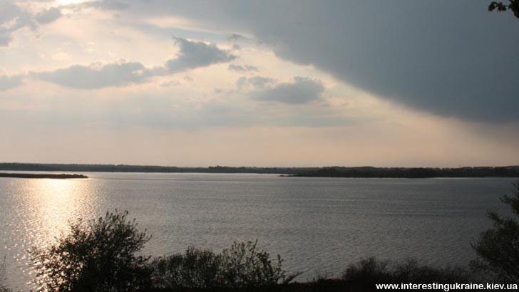 Озеро Супій - невід'ємна частина Яготина та окраса мальовничого краю