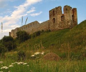 Цікаві місця Івано-Франківської області. Пнівський замок