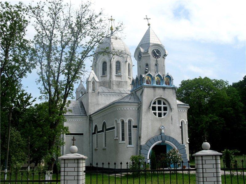 Церква у стилі модерн у с. Рідківці