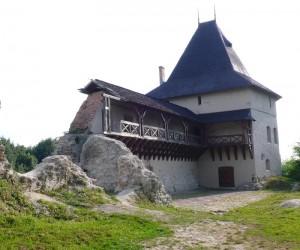 Замок у м. Галич. Цікаві місця Івано-Франківської області