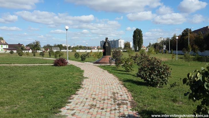 Пам'ятник жертвам аварії на ЧАЕС в Книшовому парку