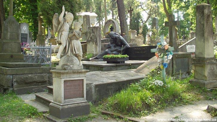 Личаківський цвинтар - пам'ятка Львова