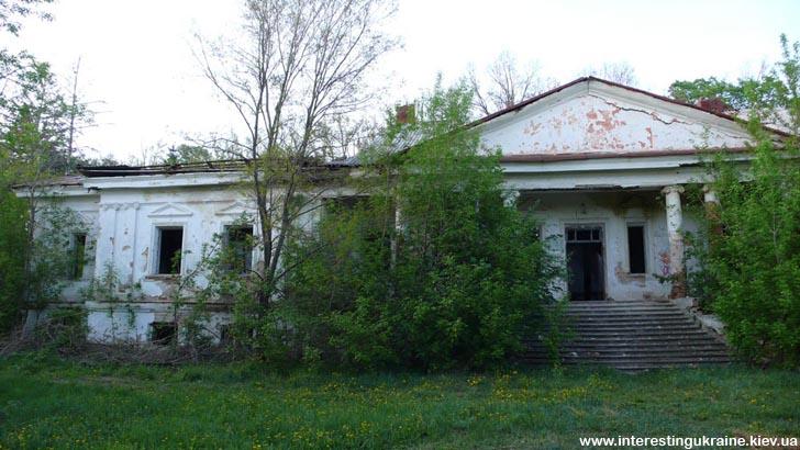 Садиба дядька М. Рильського - пам'ятка  в с. Бровки Перші