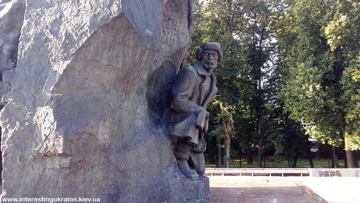 Фрагмент пам'ятника Героям Малинського підпілля