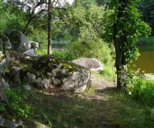 Кам'яні брили - цікаві місця с. Межирічка
