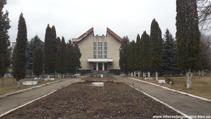 Музей образотворчого мистецтва ім. І. Буханчука - пам'ятка с. Кмитів