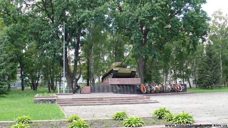 Пам'ятник воїнам - пам'ятка с. Новогуйвинське