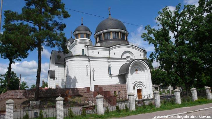 Церква - пам'ятка  в Новогуйвинському