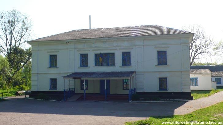 Пам'ятка Волиці Житомирської області - колишня панська садиба