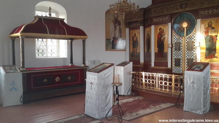 Всередині мавзолею генерала І. Інзова в Болграді