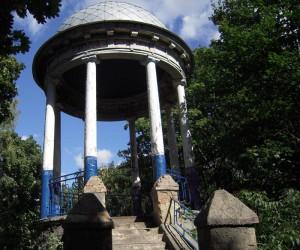 Ротонда - одна з пам'яток Кагарлика