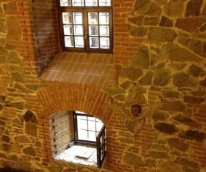 Вікна-бійниці замку Радомисль у Радомишлі
